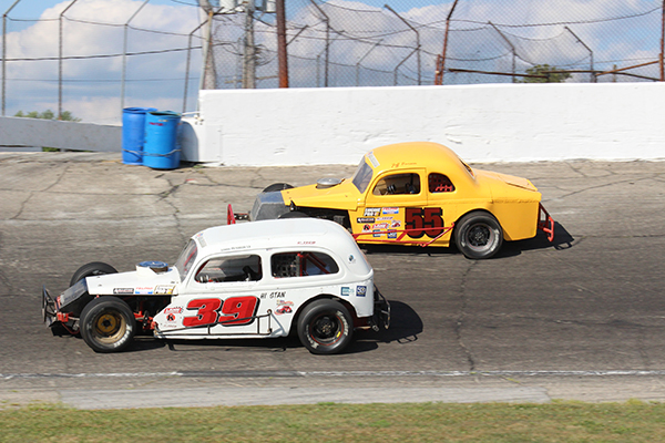 Michigan driver Tom Boorsma made the rainy drive to Anderson Speedway on Saturday with his fourth consecutive feature win in vintage modified racing action.